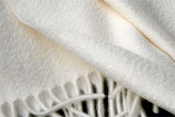 Kaschmirdecken mit Wasserglanz
