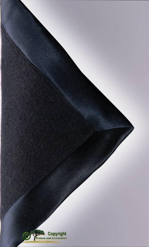 Gestrickte Kaschmirdecke aus Mailänder Traditionsbetrieb in nachtblau 150x180cm
