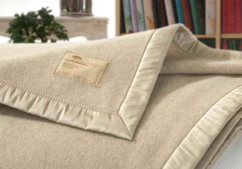 Kaschmirdecke Amalfi Seidenband in creme-beige super sanft und fein 150x200cm