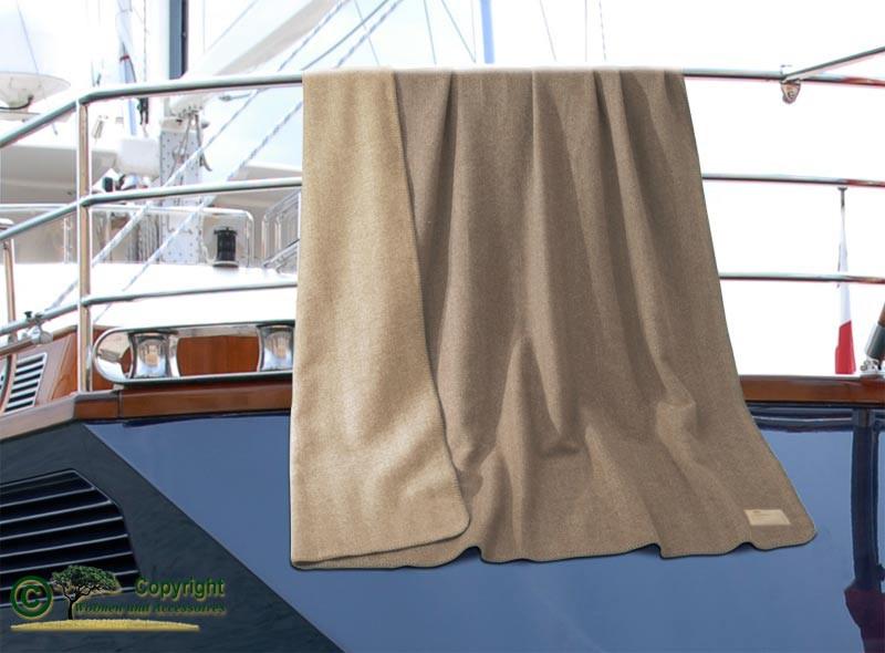 Kaschmirdecke Portofino umkettelt in Doubleface mit Fischgrat Muster 150x200cm